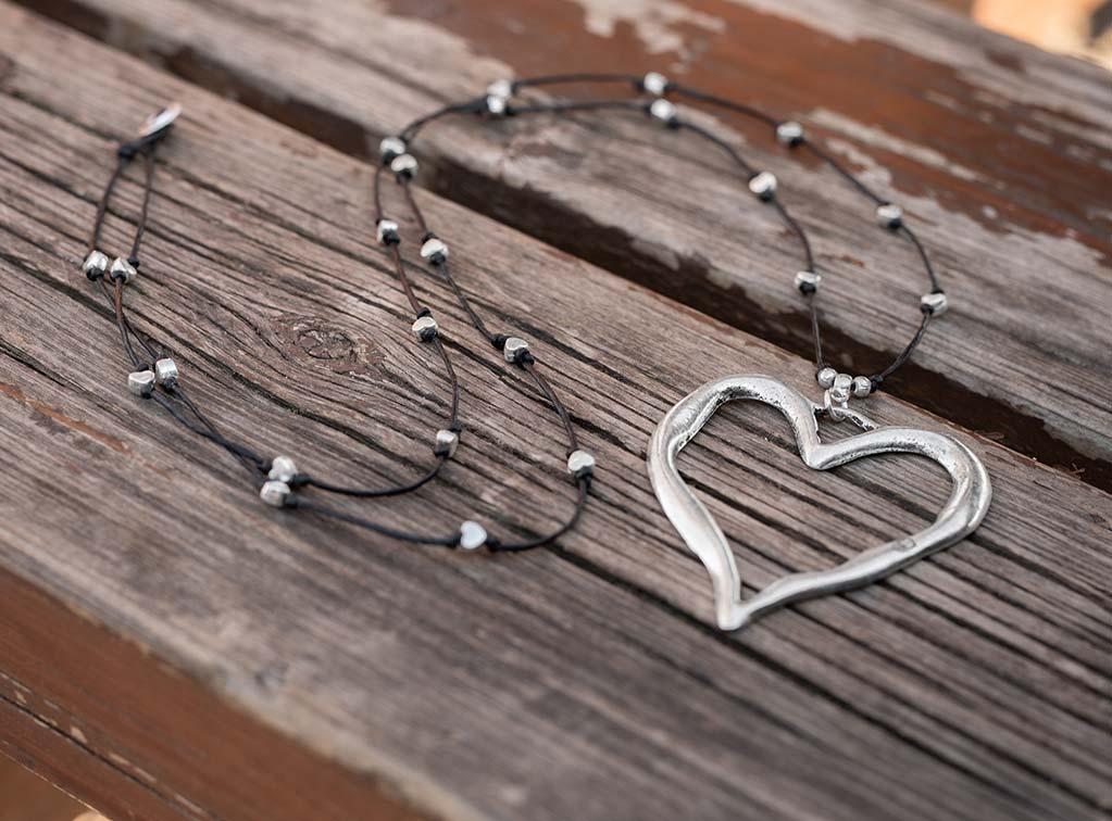 NECKLACE WAVY HEART